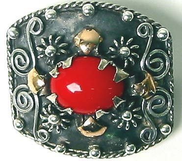 1253: Sterling Silver Gold Cabochon Brooche