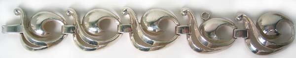 1255: Vintage Sterling Silver Bracelet