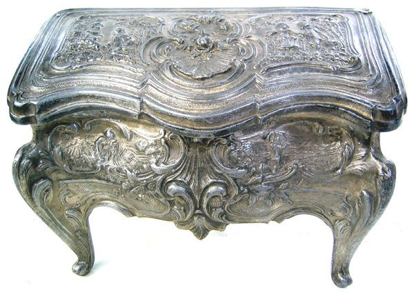 3970: Rare Antique Cast Iron Jewelry box