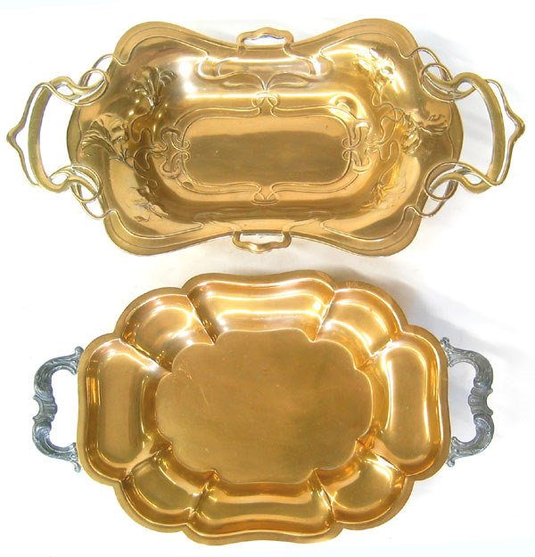 7974: Lot of two brass trays