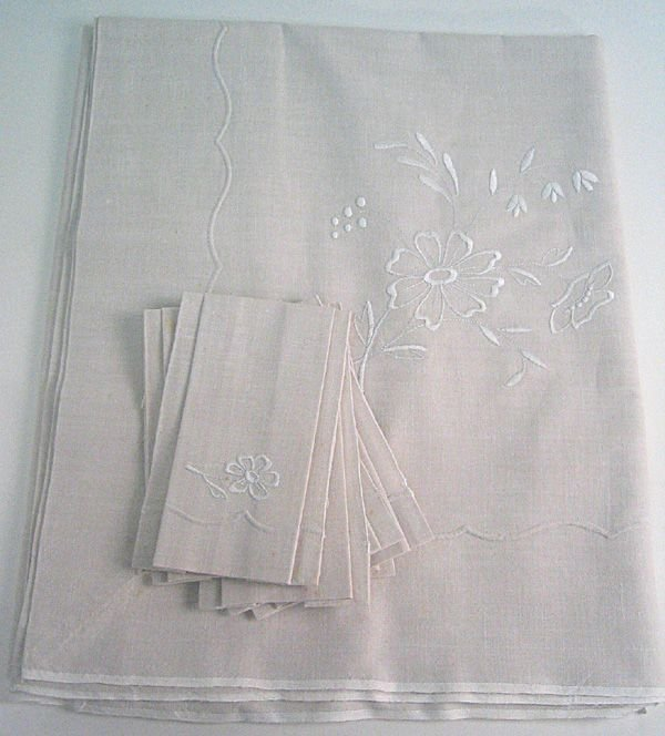 6: Table cloth with 6 napkins