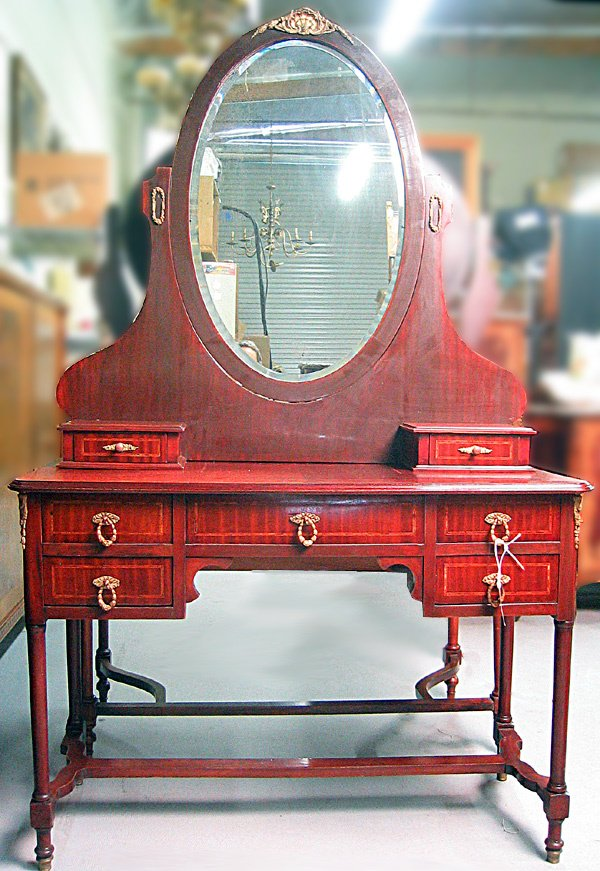 3163: French styledresser with mirror