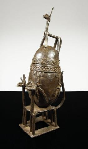 Mali. Bampara people. 1850 circa. Bronze container in