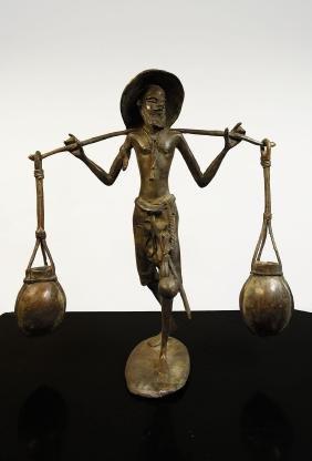 Niger. Tuareg people, 1930 circa. Bronze man statue 2.1