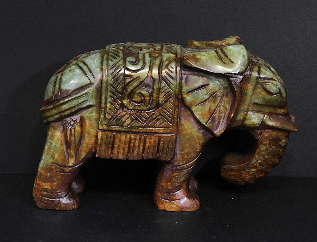 Carved elephant jade. Green-brown colour - 4