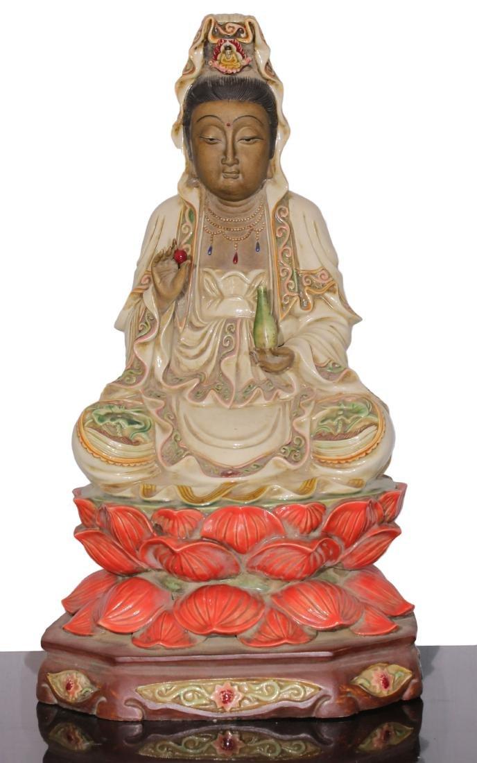 Porcelain staue of Buddha Qing dynasty
