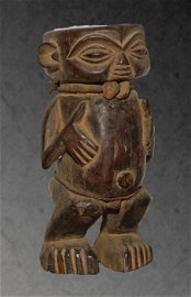 Cameroon. Old Tribal Pygmy Maternity wooden Statue.