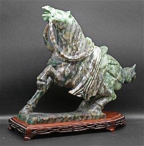 China 1930 Nephrite horse statue 2,8 kg - 25cm