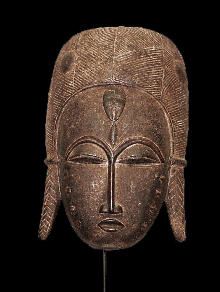 A fine Baulè people Wall mask 19 inch - 2