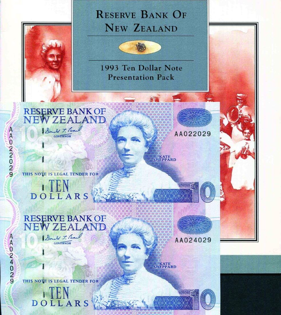New Zealand, 1993 $10, Uncut Sheet of 2 Folder