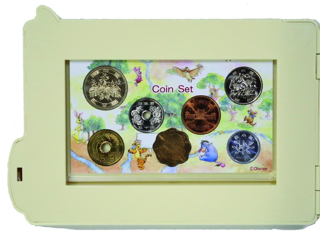 Japan Mint Set, The 80th Anniversary  of Winnie The - 4