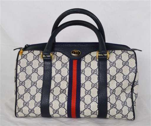5809dac82a90e6 Vintage Gucci Speedy Bag GG Monogram Supreme. placeholder