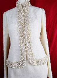 Monique LHUILLIER $4K White Tweed Suit Seashell Pearl