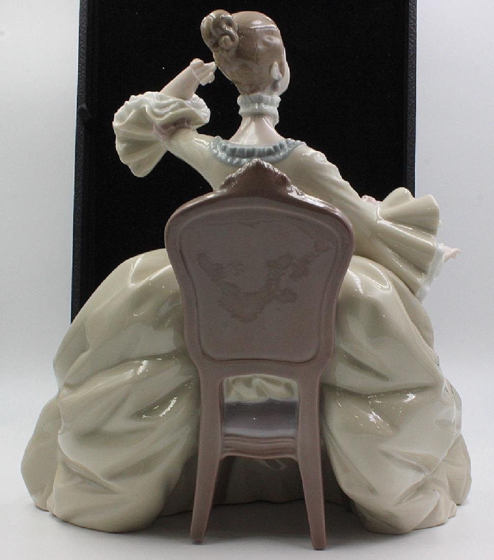 "Lladro ""Lady in Dressing Table"" Issued 1973 - 7"