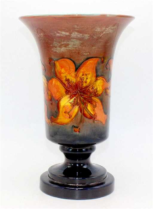 Moorcroft Vase Labeled Potter To Hm Queen Mary