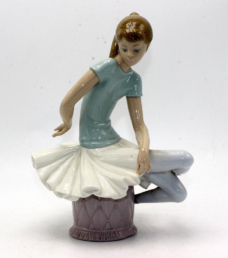 Lladro Sitting Ballerina Girl Figurine