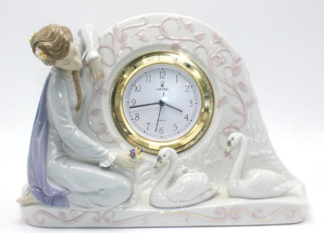 "Lladro #5777 ""Swan Clock"""