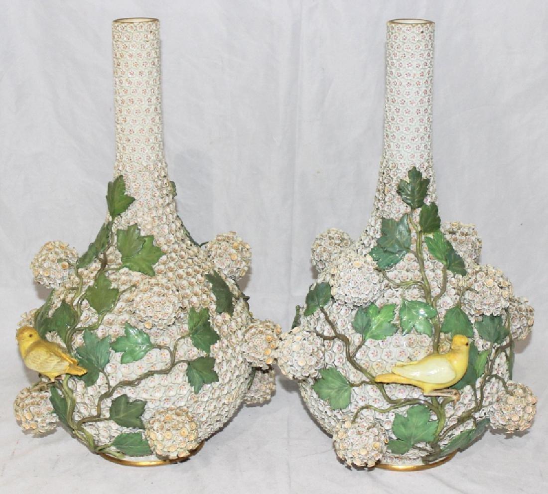 (2) Meissen Schneelballen Vases