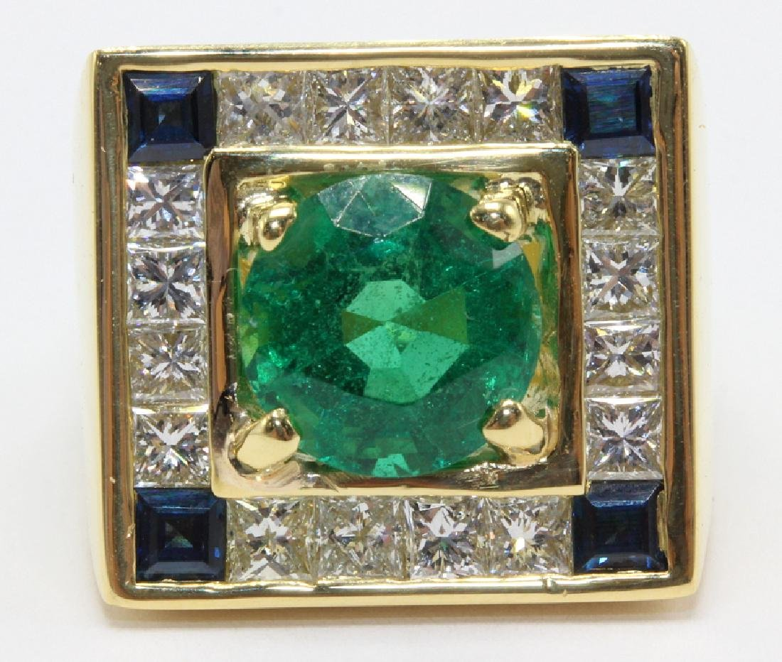 Contemporary 18Kt Yellow Gold Emerald Diamond and