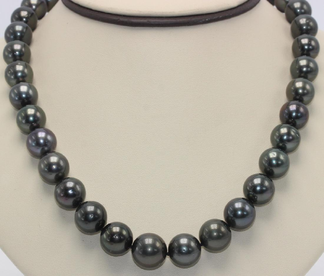 14Kt WG & Tahitian Pearl Necklace