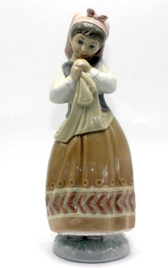 """Lladro Figurine #5026 """"Girl Planning the Day"""""""