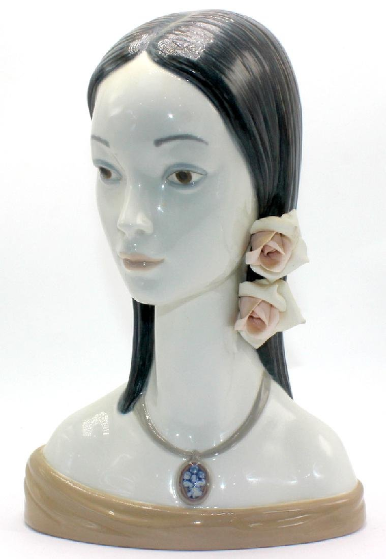 Lladro #4668 Pretty Lady with Roses Bust
