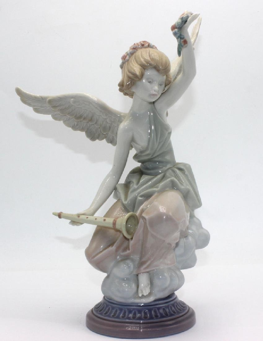 Lladro #1463 Carefree Angel