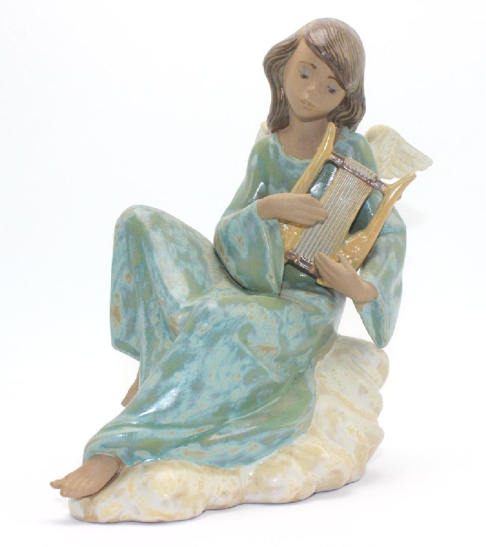 Lladro #2194 Heavenly Strings Angel