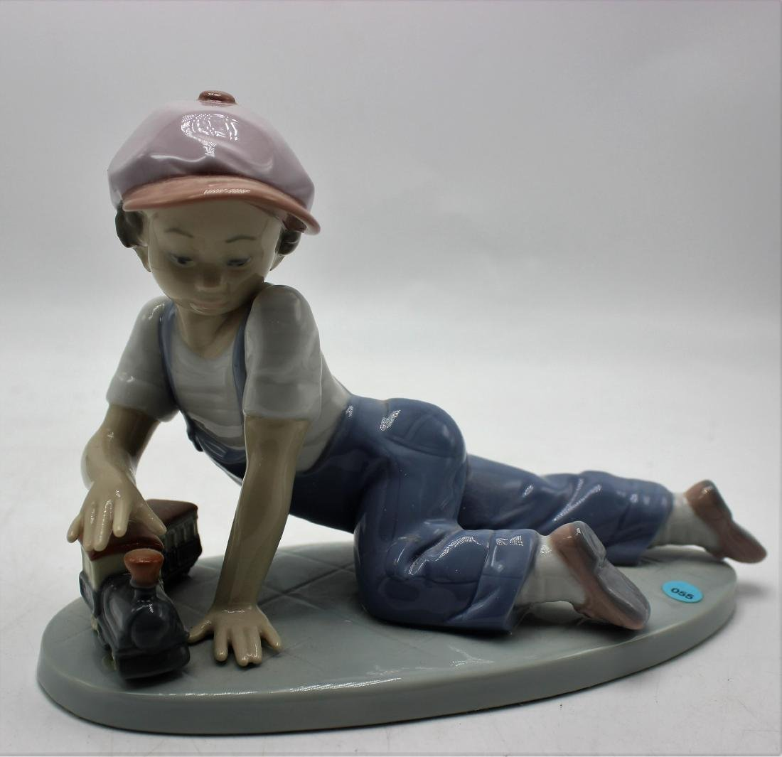 Lladro porcelain #7619 All aboard