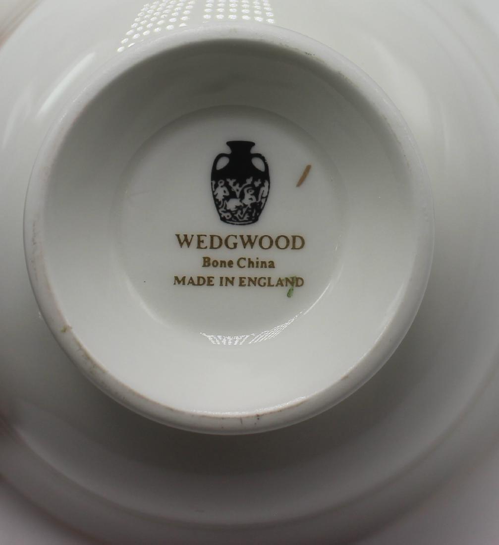 Wedgewood gold florentine china set - 2