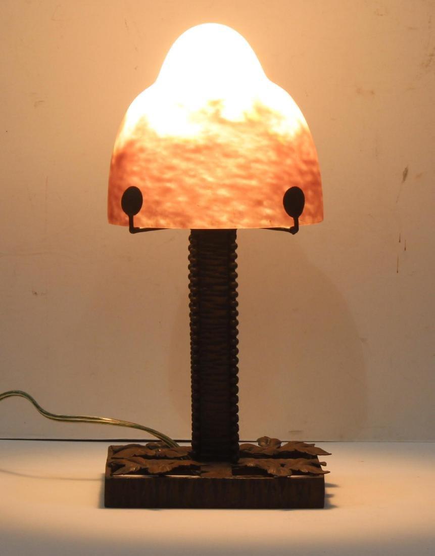 Handsome Degue art glass lamp - 2