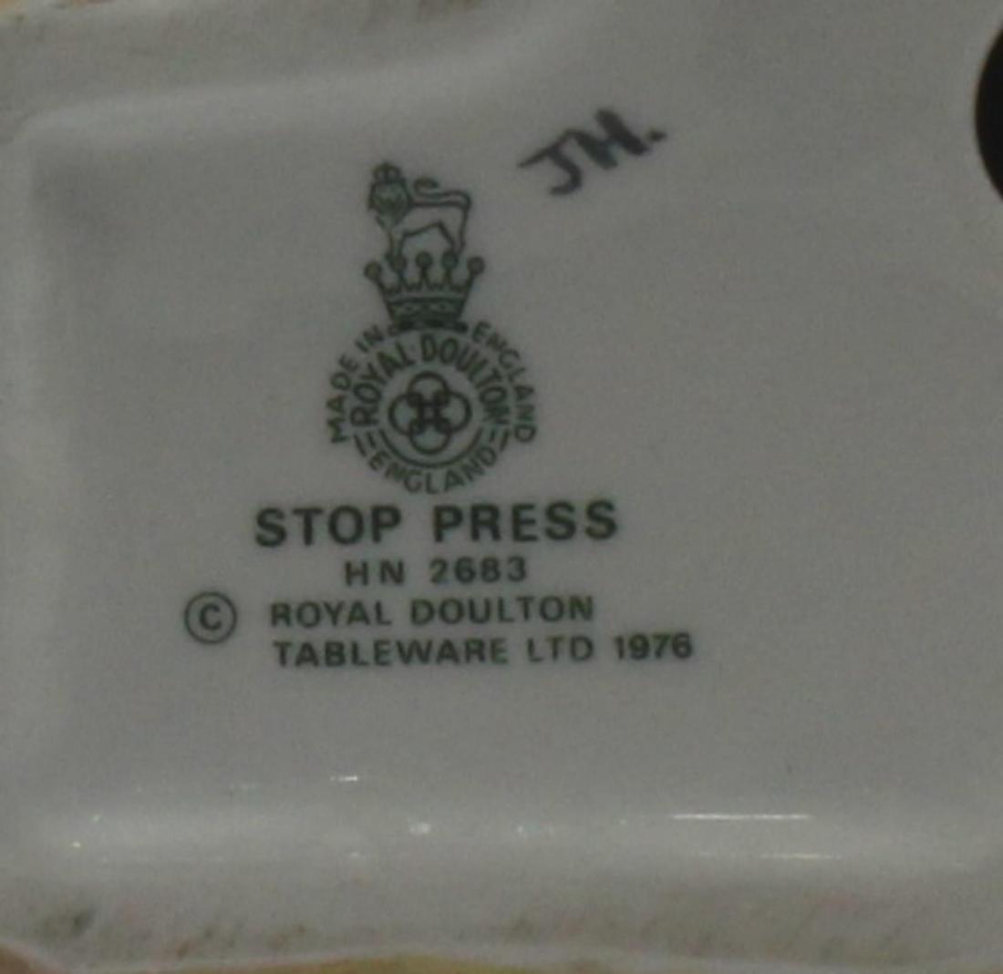 Royal Doulton Stop Press HM 2683 Porcelain Figure - 2
