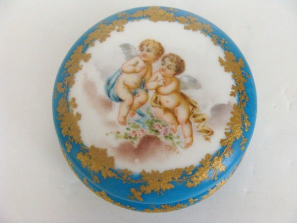 601: FRENCH PORCELAIN COVERED BOX