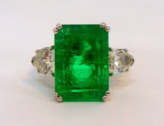 206: Rare & Impressive Platinum Emerald & Diamond Ring