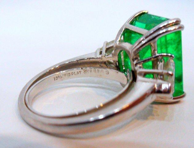 206: Rare & Impressive Platinum Emerald & Diamond Ring - 3