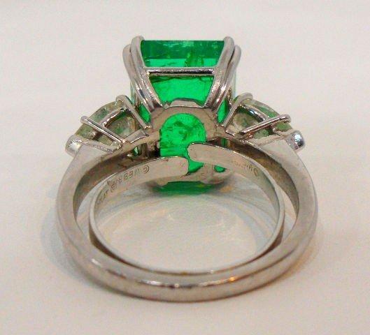 206: Rare & Impressive Platinum Emerald & Diamond Ring - 4