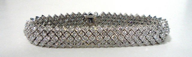 "222: Exquisite Contemporary Diamond ""Snake"" Braclet."