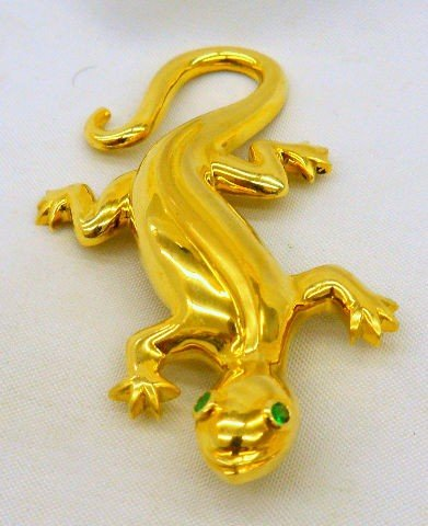 805A: 18K Yellow  Gold Lizard Brooch