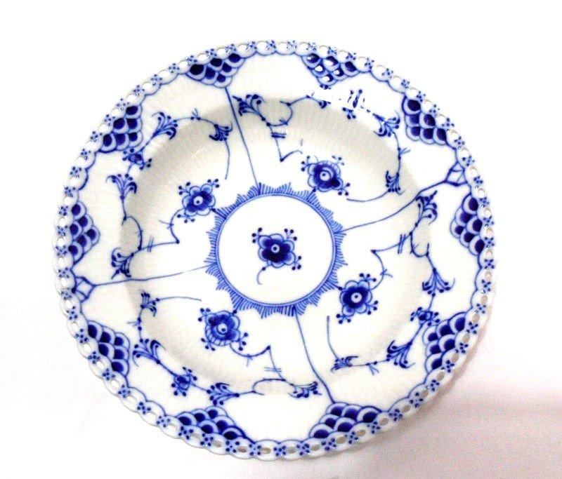 414:Royal Copenhagen Full Lace Soup Bowls (8)