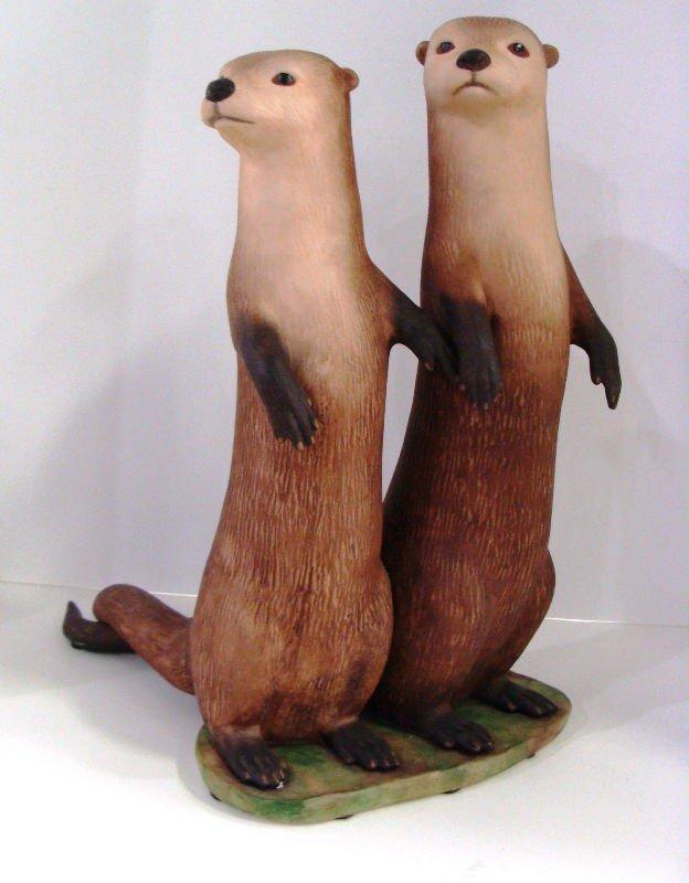 "612: Lazlo Ispanky ""True Love"" Otter Figurine - 2"