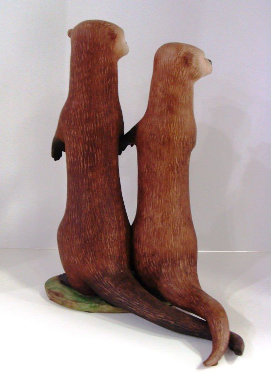 "612: Lazlo Ispanky ""True Love"" Otter Figurine - 3"