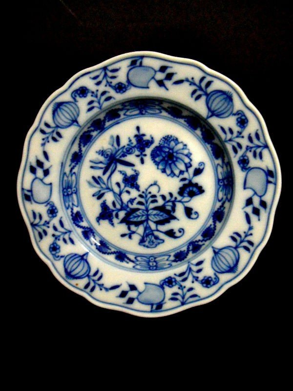 408: Meissen Blue Onion Bread & Butter Plates