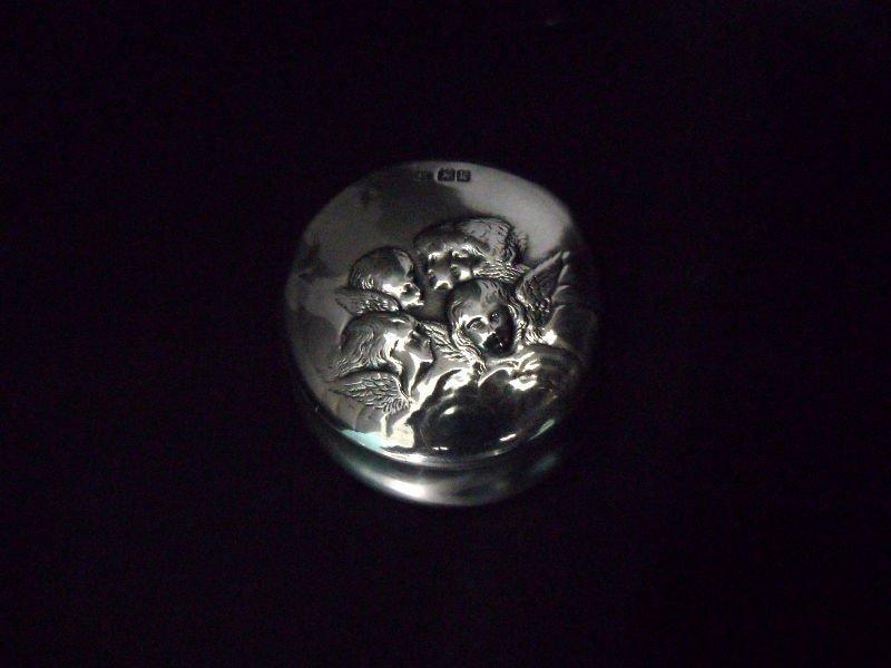 713: William Comyns Sterling Silver Box