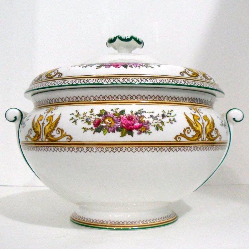 704: Wedgwood Porcelain Columbia Tureen