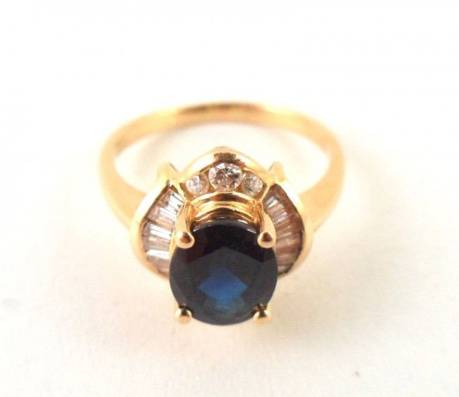 7A: 18Kt. Y.G. Diamond & Sapphire Ring