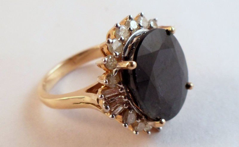 2D: Large10 ct  Sapphire & Diamond Ring