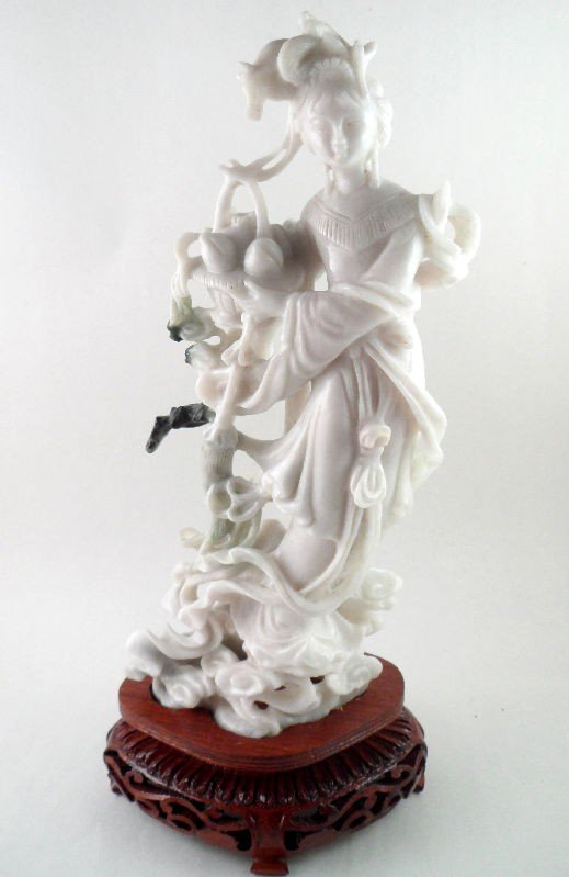 601: Chinese White Jade Figure of a Beauty