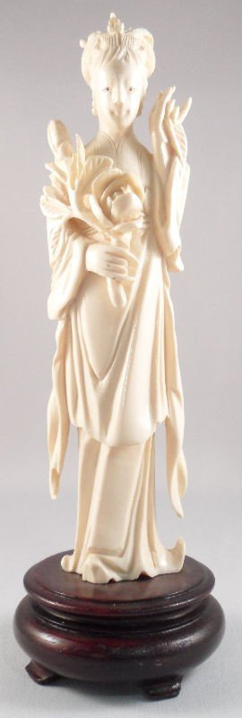 602: Chinese Ivory Figure of a Beauty