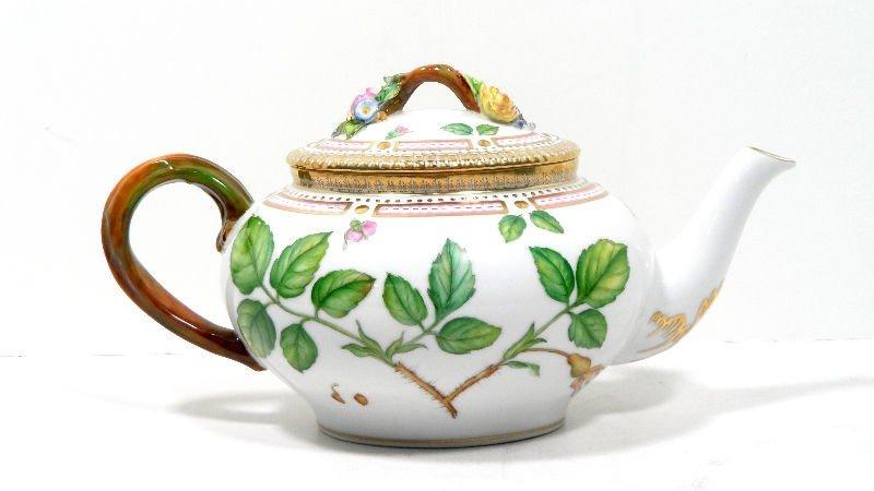 6A: Royal Copenhagen Flora Danica Teapot