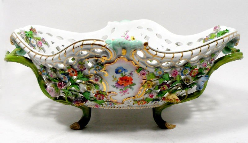 600: Meissen Porcelain Centerpiece Bowl
